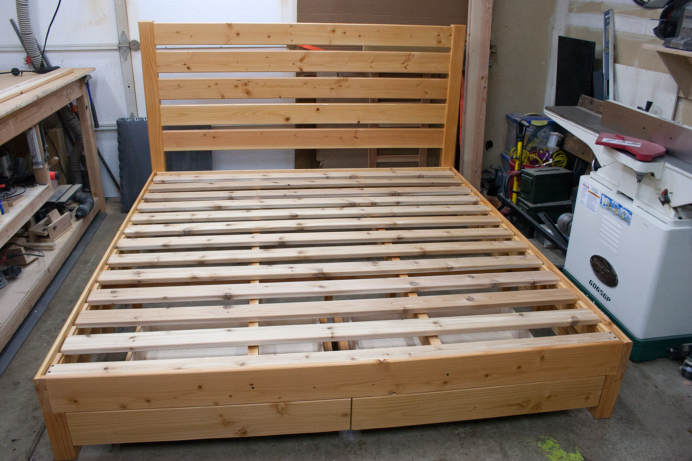 King with headboard, 2 drawers on end