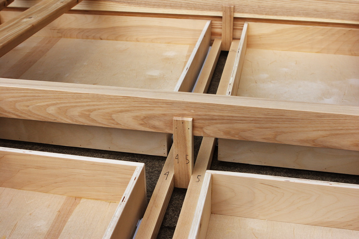 Ash drawer support detail