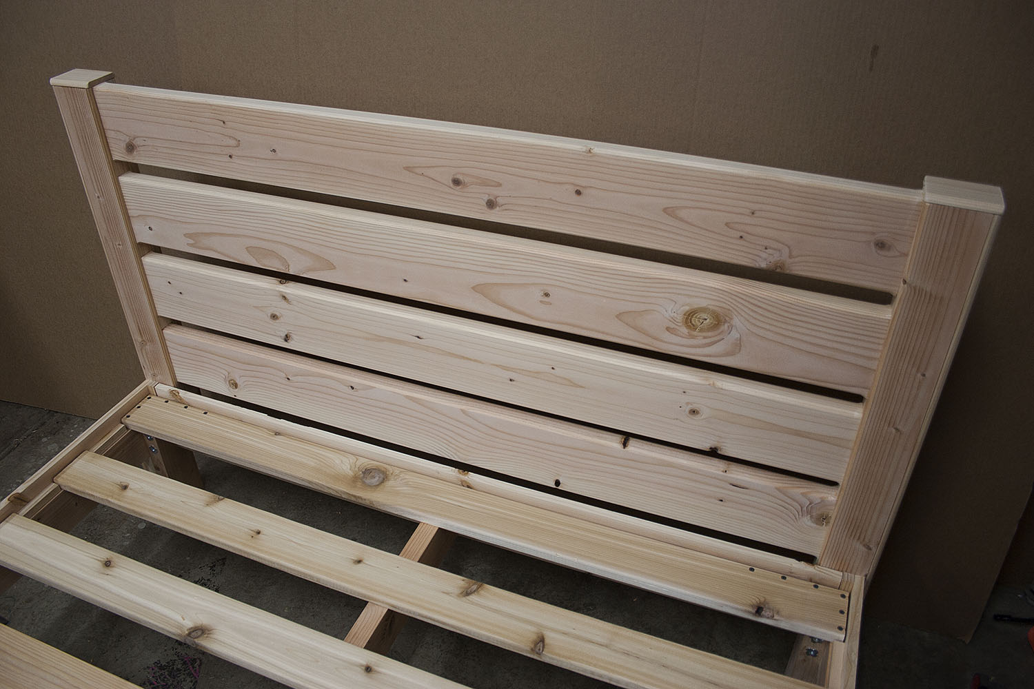 Horizontal-slat fir headboard